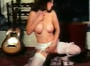 Softcore,Babe,Beauty,Bombshell,bowling,Buxom,Cleavage,Couple,Hippy,Knockers,Natural Boobs,Oral,Silicone Tits,Undressing,Young (18-25),Candy Samples,Little Oral Annie,Rhonda Jo Petty,Roberta Pedon,Roxanne Brewer,Doreen Cormier,Marla Monroe,Darlene Eng Big Bust Babes 3