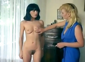 Lesbian,Hairy,Sex Toys,newbie The Bawd Tries...