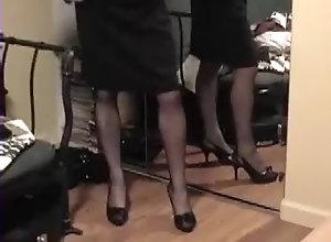 Lingerie,Nylon,Skirt,Stockings lifts skirt to...