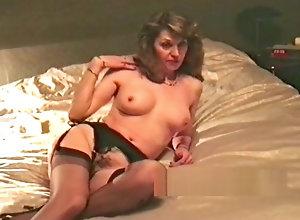 Vintage,Classic,Retro,Stockings,Fingering,Striptease,Blowjob,Mature,MILF,Retro,Sucking,Undressing,Wife wife retro...