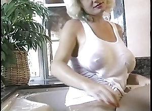 Big Boobs;Blondes;Vintage;HD Videos;Bath Time;Boobies Suzie Boobies...