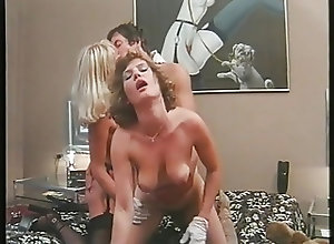 Blondes;Blowjobs;Cumshots;Group Sex;Vintage PornGiant 14