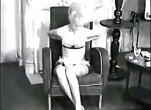 Lesbians;Masturbation;Matures;Retro;Vintage;Femmes retro femmes seules