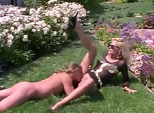 Vintage,Classic,Retro,Cunnilingus,Blowjob,Cumshot,Muscular Man,Retro Retro wave sex
