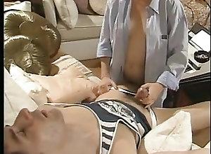 Anal;Hairy;Hardcore;Small Tits;Vintage Razz- lui dorme e...