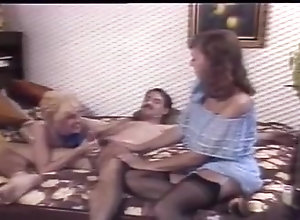 Threesome,Double Blowjob,Sucking,Vintage Vintage Double...