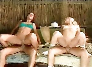 Anal;Swingers;Vintage Razz- due coppie...