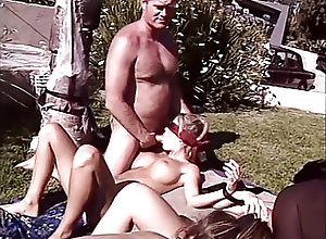 Blowjobs;Cumshots;Orgy;Outdoor;Vintage PornGiant 10