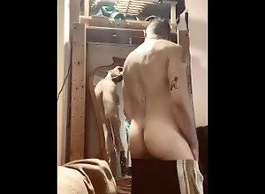 piss;meadas;dirty;cerdo;mirror,Euro;Daddy;Fetish;Solo Male;Gay;Vintage;Tattooed Men Piss on Me