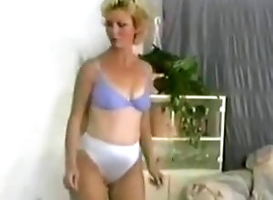 Lesbian,Big Boobs,Housewife,Retro,Smother Retro Mother Smother