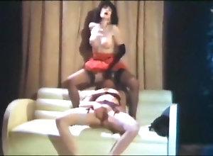 Brunette,Kinky bourgeoise sauvage 2