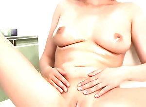 Masturbation,Vintage,Classic,Retro,Big Tits,Jacuzzi,Milk,Shower ROSSES IN THE...