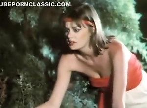 Vintage,Classic,Retro,Tourist Summer Camp Girls...