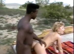 Interracial,Vintage,Classic,Retro,Big Ass,Small Tits,Blowjob,Cumshot,Interracial,Vintage,Nina Hartley Vintage porn -...